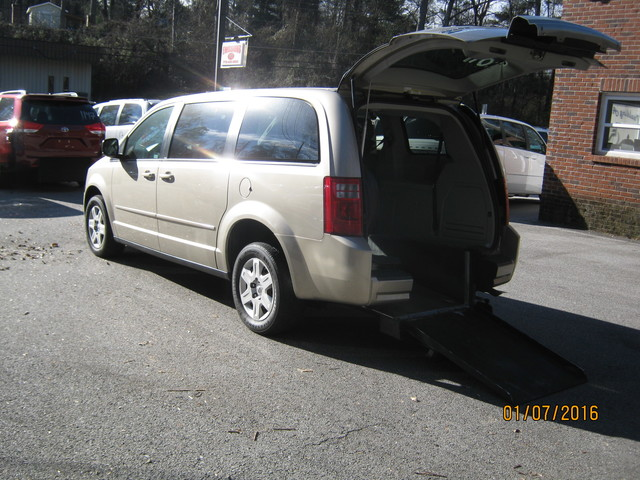 2009 Dodge Grand Caravan handicap wheelchair accessible van