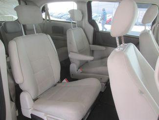 2009 Dodge Grand Caravan SXT Gardena, California 11