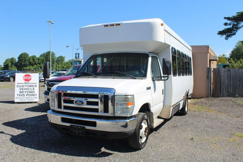 2009 Ford Econoline Commercial Cutaway E450 SUPER DUTY CUTAWAY VAN  city MD  South County Public Auto Auction  in Harwood, MD