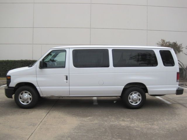 2009 Ford E350 15 Passenger Van, Only 78k Miles Priced for Quick Sale in Plano, Texas 75074