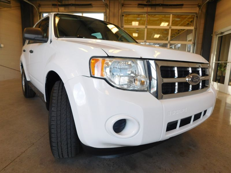 2009 Ford Escape XLS  city TN  Doug Justus Auto Center Inc  in Airport Motor Mile ( Metro Knoxville ), TN