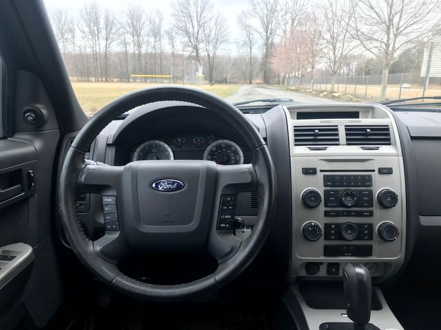 2009 Ford Escape XLT Ravenna, Ohio 8