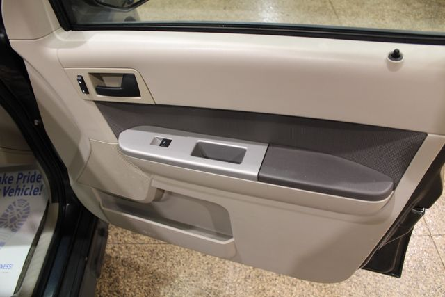 2009 Ford Escape XLT in IL, 61073