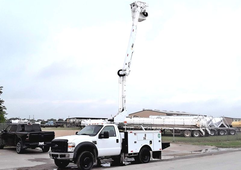2009 Ford F-550 4X4 42FT ALTEC BUCKET AC LOW MILES  city TX  North Texas Equipment  in Fort Worth, TX