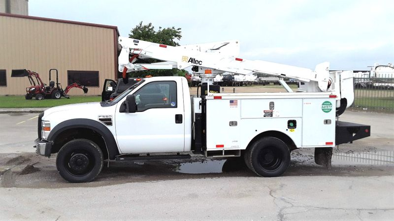 2009 Ford F-550 4X4 42FT REACH  ALTEC BUCKET AC LOW MILES  city TX  North Texas Equipment  in Fort Worth, TX
