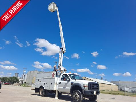 2009 Ford  F-550 4X4 40' ALTEC ARTICULATING & TELESCOPIC INSULATED BUCKET TRUCK in Fort Worth, TX