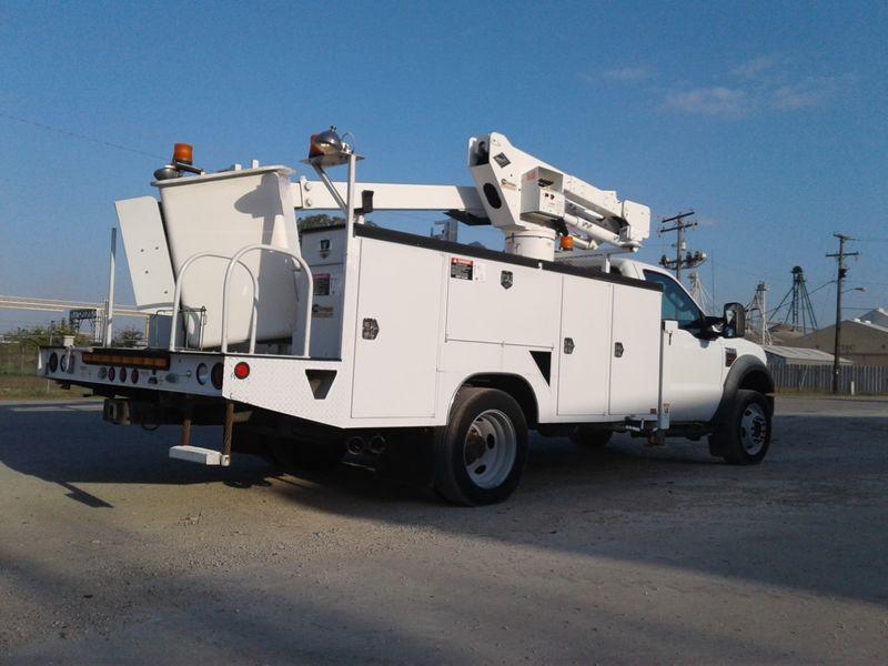 2009 Ford F-550 4X4 BUCKET TRUCK  city TX  North Texas Equipment  in Fort Worth, TX
