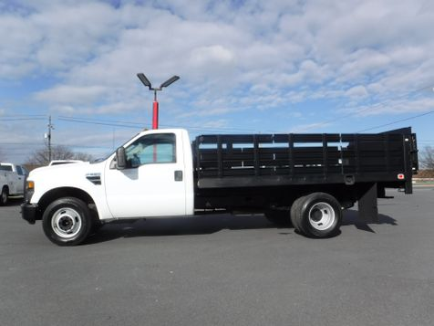 2009 Ford F350 12' Stake 2wd with Lift Gate in Ephrata, PA