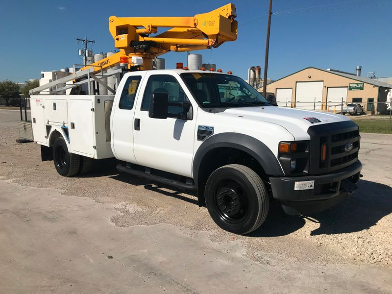 2009 Ford F450 BUCKET TRUCK XL  city TX  North Texas Equipment  in Fort Worth, TX