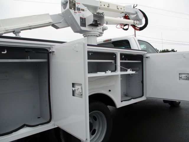 2009 Ford F550 DIESEL 83K BUCKET BOOM TRUCK XL Lake In The Hills, IL 26