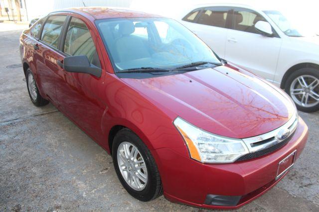 2009 Ford Focus SE Houston, Texas 3