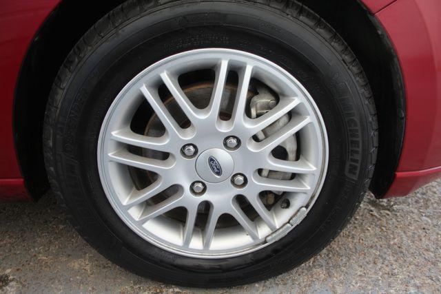 2009 Ford Focus SE Houston, Texas 21