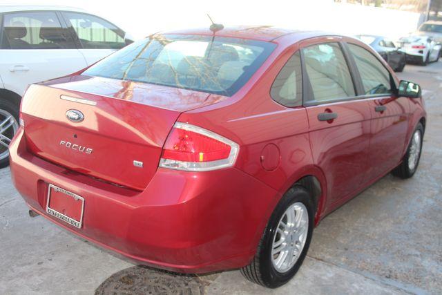 2009 Ford Focus SE Houston, Texas 8