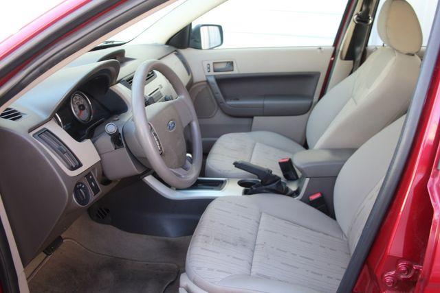 2009 Ford Focus SE Houston, Texas 23