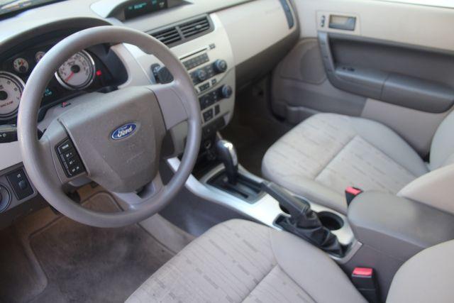 2009 Ford Focus SE Houston, Texas 24