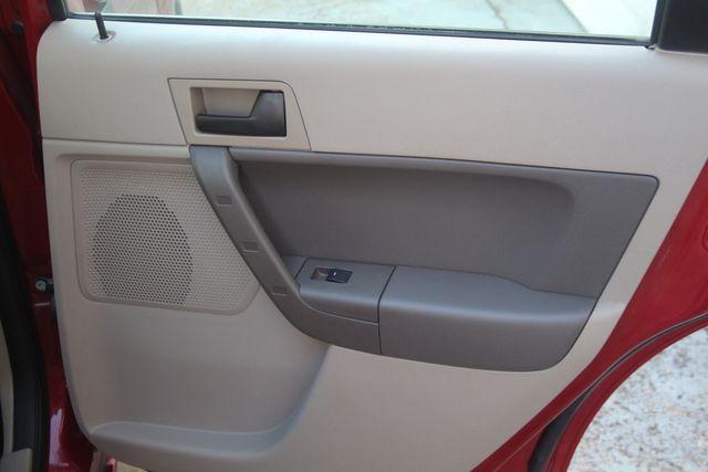 2009 Ford Focus SE Houston, Texas 29