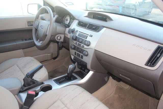 2009 Ford Focus SE Houston, Texas 32