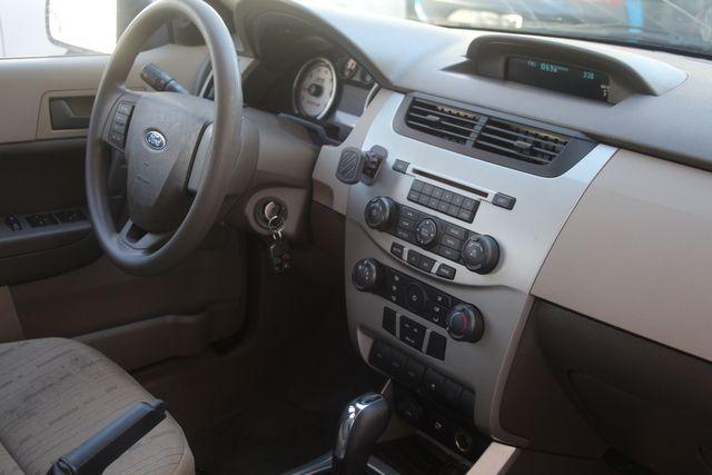 2009 Ford Focus SE Houston, Texas 34