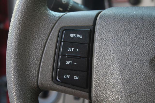 2009 Ford Focus SE Houston, Texas 43