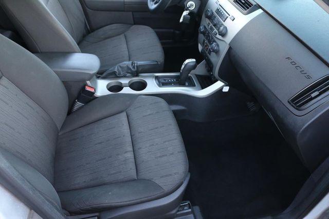 2009 Ford Focus SE Santa Clarita, CA 14