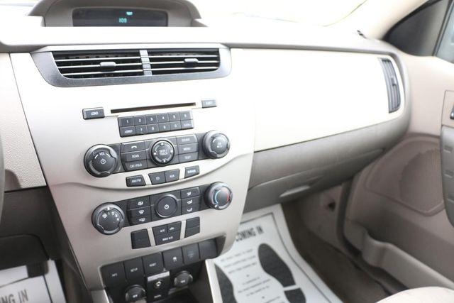 2009 Ford Focus SE Santa Clarita, CA 19
