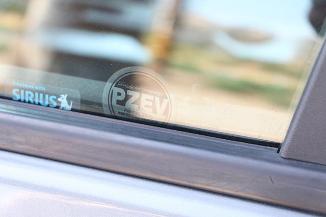 2009 Ford Focus SE Santa Clarita, CA 25