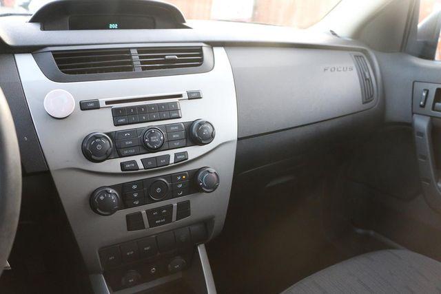 2009 Ford Focus SE Santa Clarita, CA 18