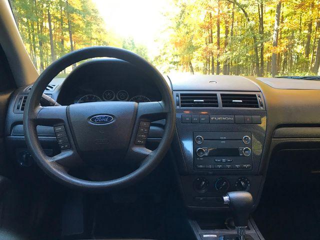 2009 Ford Fusion SE Ravenna, Ohio 8