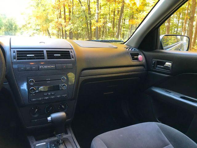 2009 Ford Fusion SE Ravenna, Ohio 9