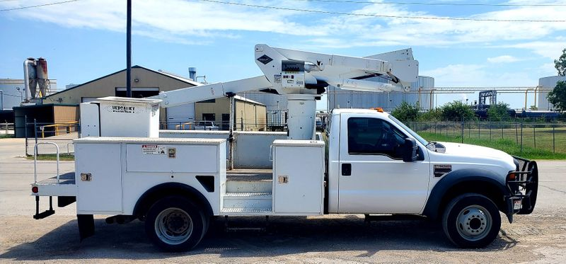 2009 Ford SD F-550 DRW Versalift SST37  GREAT MILES  city TX  North Texas Equipment  in Fort Worth, TX