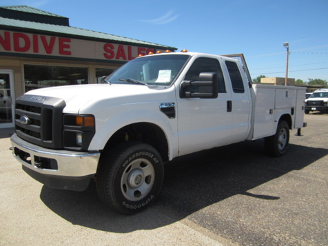2009 Ford Super Duty F-350 SRW XL in Glendive, MT