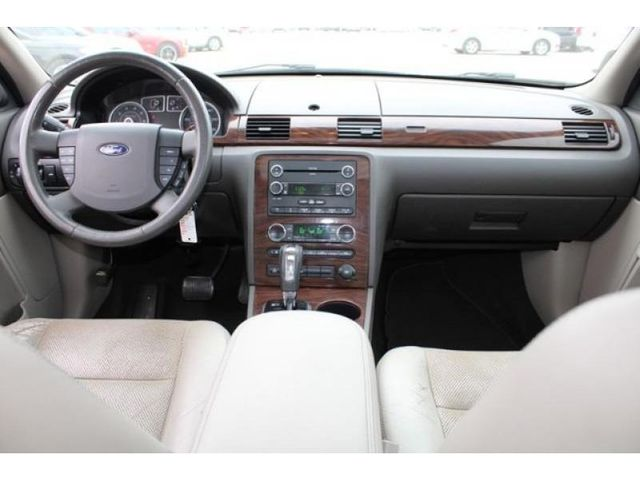 2009 Ford Taurus SEL in St. Louis, MO 63043