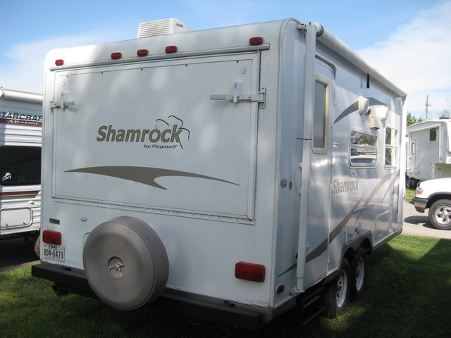 2009 For Rent Or For Sale 19' Shamrock Hybrid by Forest River