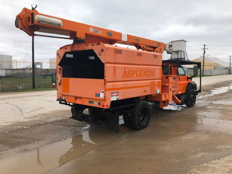 2009 GMC 7500 FORESTRY ELEVATOR BUCKET TRUCK 75   city TX  North Texas Equipment  in Fort Worth, TX