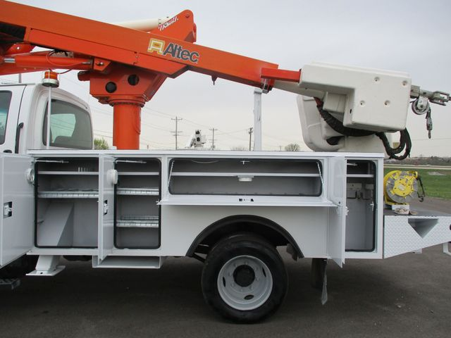 2009 GMC C5500 4X4 DIESEL JIB BUCKET BOOM TRUCK Lake In The Hills, IL 19