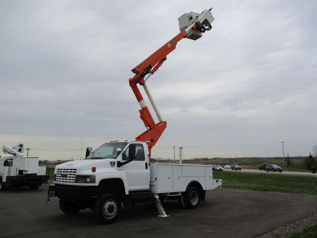 2009 GMC C5500 4X4 DIESEL JIB BUCKET BOOM TRUCK Lake In The Hills, IL 31