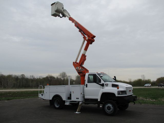 2009 GMC C5500 4X4 DIESEL JIB BUCKET BOOM TRUCK Lake In The Hills, IL 32