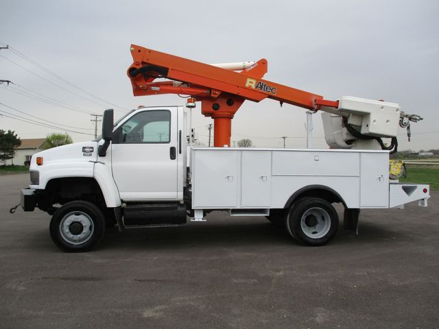 2009 GMC C5500 4X4 DIESEL JIB BUCKET BOOM TRUCK Lake In The Hills, IL 1