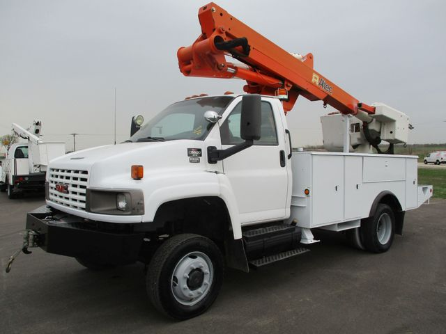2009 GMC C5500 4X4 DIESEL JIB BUCKET BOOM TRUCK Lake In The Hills, IL