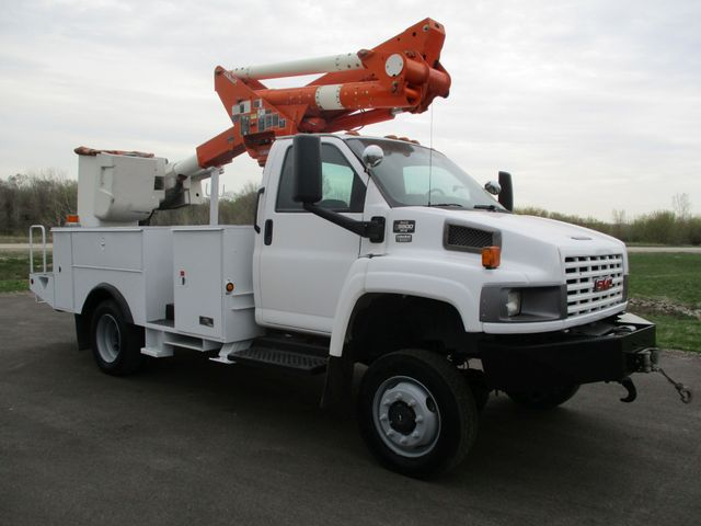 2009 GMC C5500 4X4 DIESEL JIB BUCKET BOOM TRUCK Lake In The Hills, IL 6