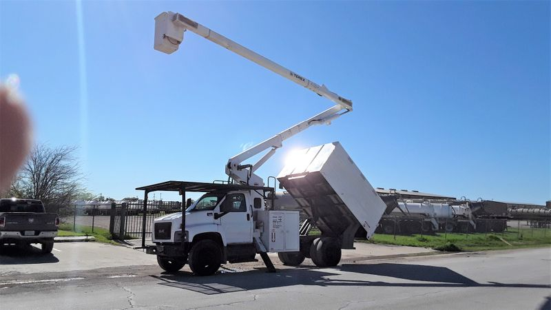 2009 GMC C7500 BUCKET FORESTRY  city TX  North Texas Equipment  in Fort Worth, TX