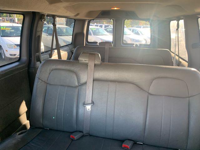 2009 GMC Savana Passenger Hoosick Falls, New York 4