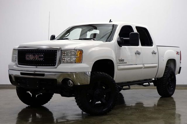 2009 GMC Sierra 1500 SLE Crew Cab 4 Wheel Drive Lifted