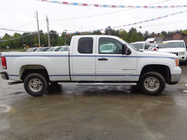 2009 GMC Sierra 2500HD SLE Hoosick Falls, New York 2