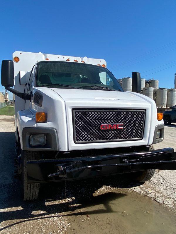 2009 GMC 6500 chipper dump  city TX  North Texas Equipment  in Fort Worth, TX
