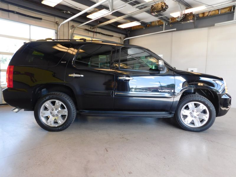 2009 GMC Yukon SLT w4SB  city TN  Doug Justus Auto Center Inc  in Airport Motor Mile ( Metro Knoxville ), TN
