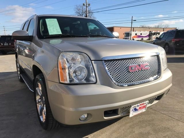 2009 GMC Yukon Denali in Medina, OHIO 44256