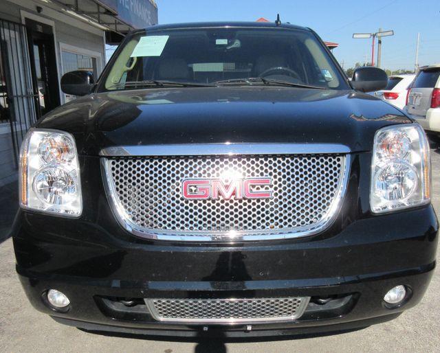 2009 GMC Yukon XL Denali south houston, TX 5
