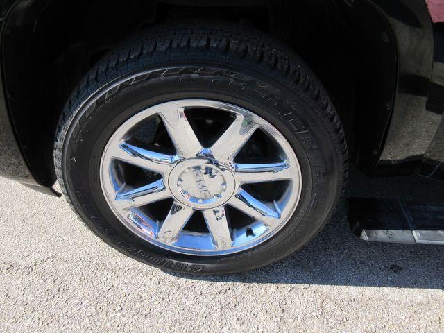 2009 GMC Yukon XL Denali south houston, TX 8