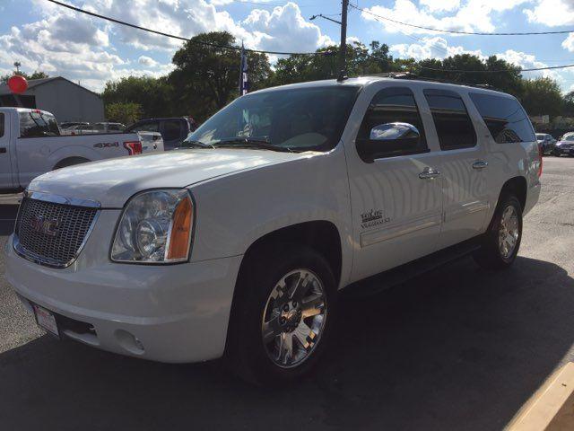 2009 GMC Yukon XL 1500 SLT in San Antonio, TX 78212